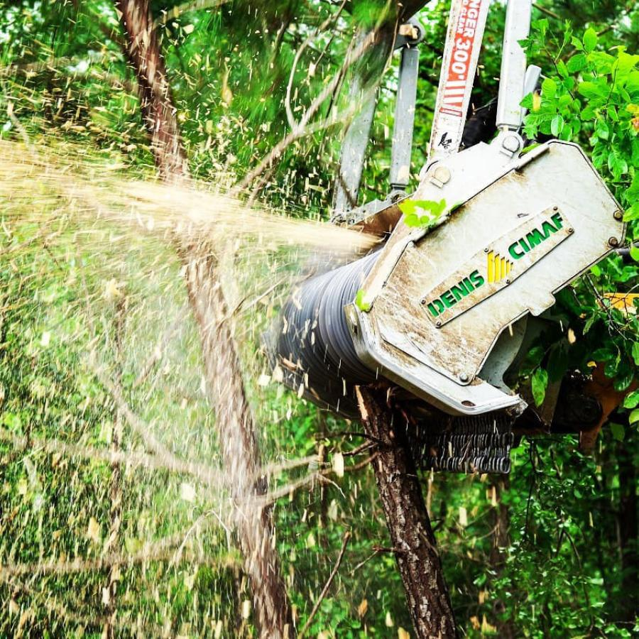 Founded by Laurent Denis and his wife, Monique Vaillancourt, in 1998, DENIS CIMAF specializes in the development of high-performance brushcutter-mulcher attachments for excavators, skid steers, forestry tractors, graders and other types of heavy equipment.