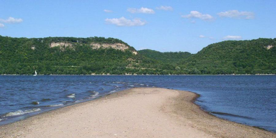 USACE will build islands near the head of Lake Pepin by using sand and sediment removed from the Mississippi River.