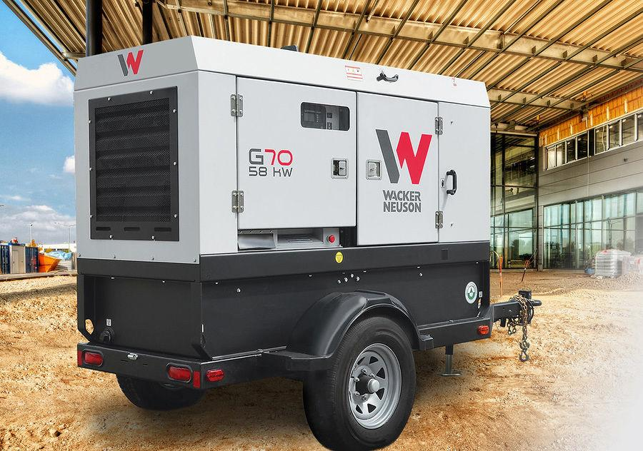 The G70 generator produces standby output of 63 kW/79 kVA and prime output of 58 kW/72 kVA. It is packaged in a medium cabinet for less weight on a single axle trailer.