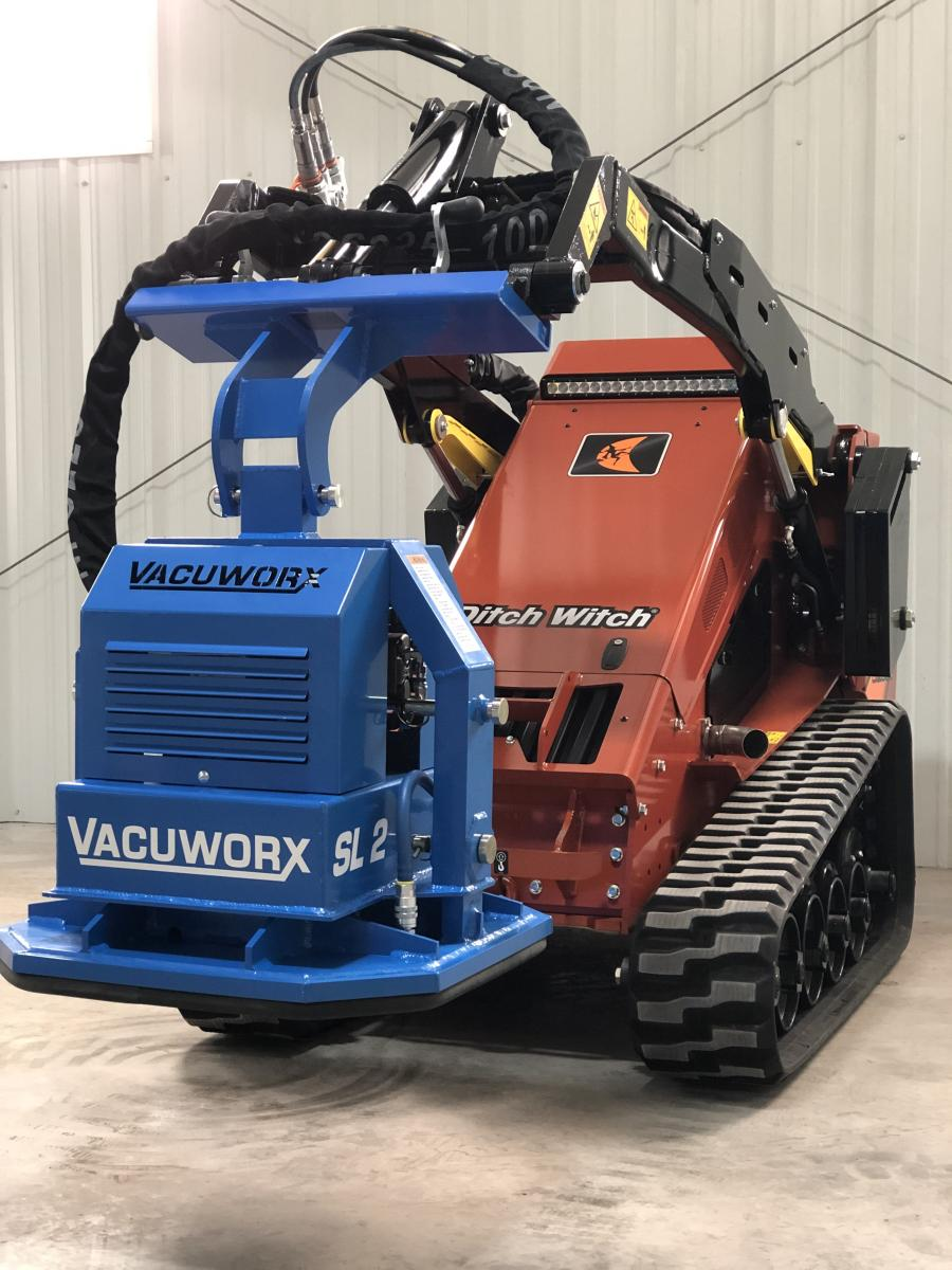 The SL 2 now features a base unit — available with manual or wireless remote control — with modular pad options. The standard 24 by 24 in. (61 by 61 cm) pad is still available, along with a 12 by 36 in. (30.5 by 91 cm) pad for handling more narrow trench cuts, as well as other sizes upon request.