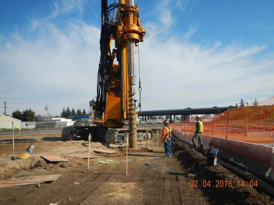 Trains Avoid Traffic With $985 1M Fresno Trench | Construction