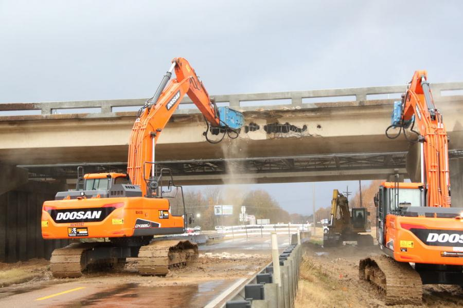 Mississippi State Route 306 was closed temporarily as crews demolished the northbound I-55 overpass.