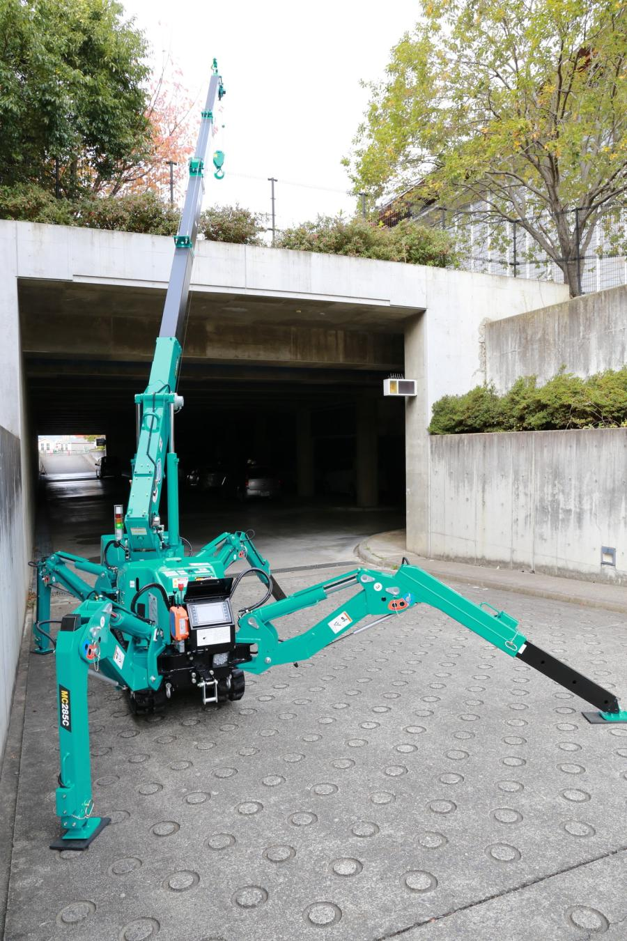 The updated MC285-3 now includes multi-angle outriggers, a state-of-the-art wireless remote control, new generation touch screen moment limiter safety system and a removable electric motor package for maximum versatility - all while maintaining single doorway access to buildings. (Photo Credit: Maeda USA)