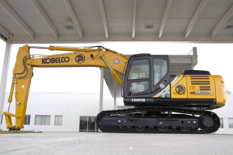 The 1000th Kobelco excavator produced in the USA is the SK210LC-10.