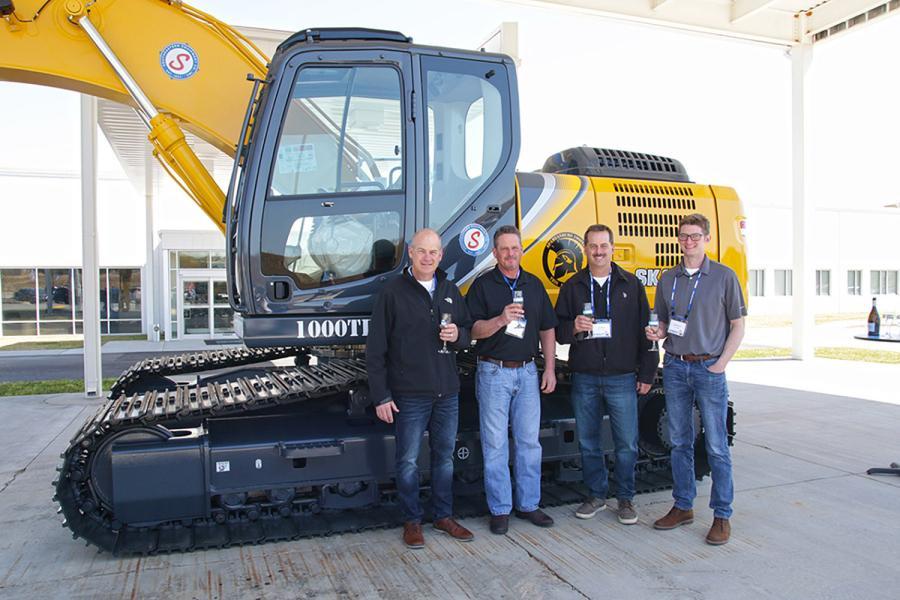 Kobelco Celebrates Production of 1,000th Excavator at