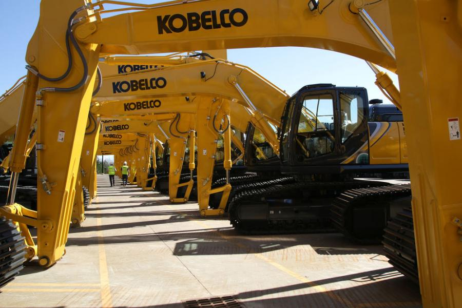 Kobelco Celebrates Production of 1,000th Excavator at Manufacturing