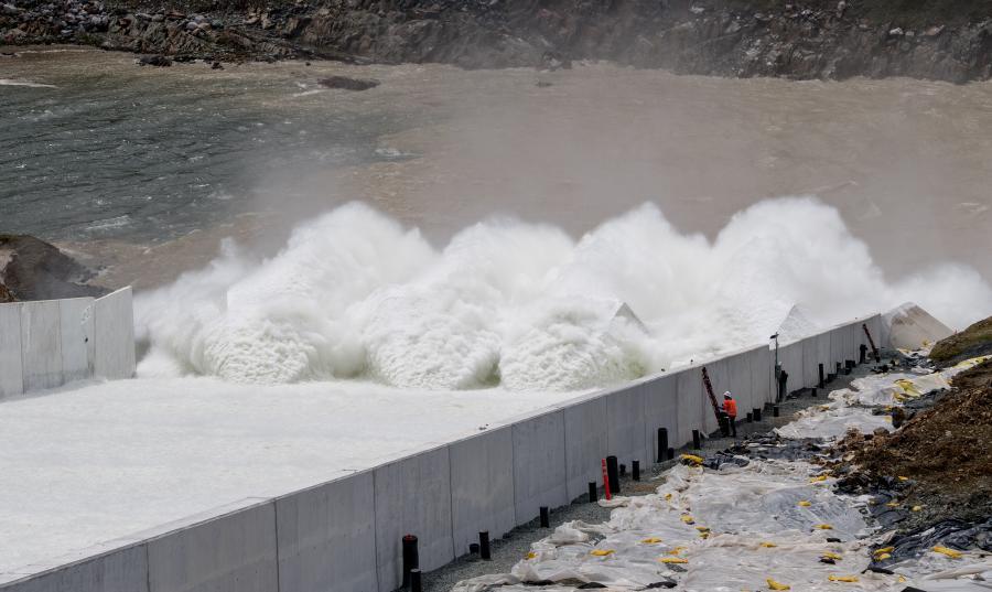 $1 1B Oroville Dam Spillway Repairs Put to Test