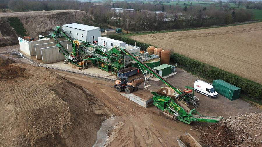 Washing equipment specialists, McCloskey Washing Systems (MWS) along with its UK dealer Max Innovate Ltd, held its first multi-spread demonstration event at Monk Plant Hire (MPH) in Hockering, Norwich, UK, on March 20 and 21, highlighting the power of the washing equipment working together.