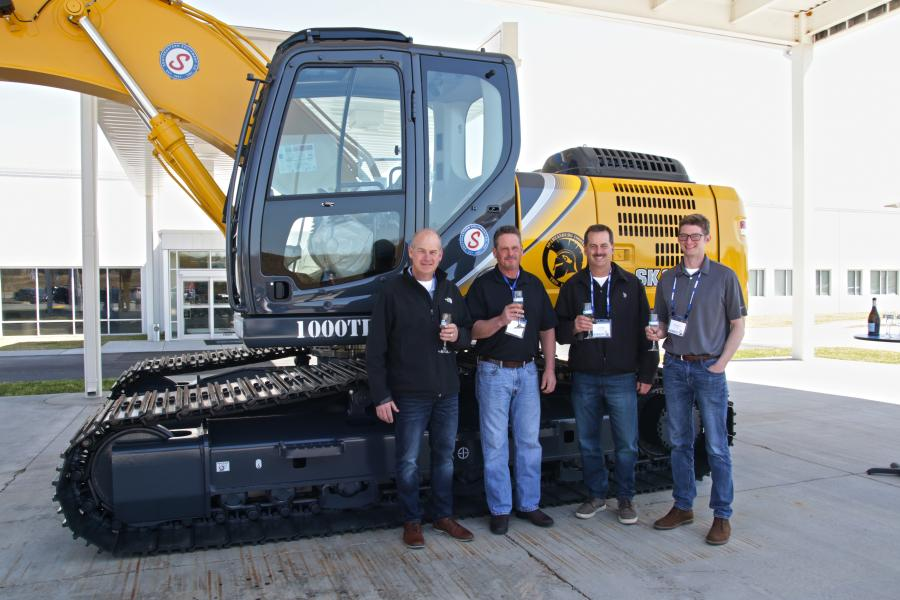Southeastern Equipment Sells Historic Kobelco Excavator