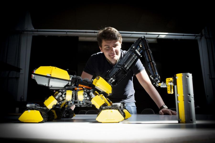 The grand prize-winning entry, the autonomous Volvo Rottweiler by Vida András, is fitted with a pneumatic drill, a dozer and a 3D printer.