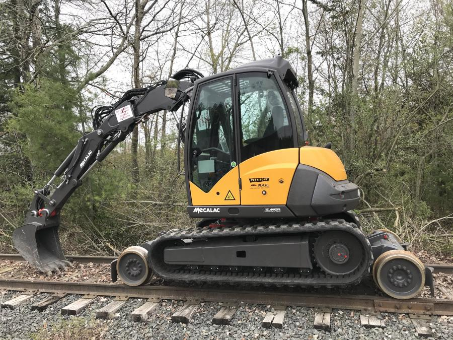 In addition to digging, the 8MCR Rail-Road excavator also is designed to provide increased lifting and handling functions for its size class with appropriate attachments.