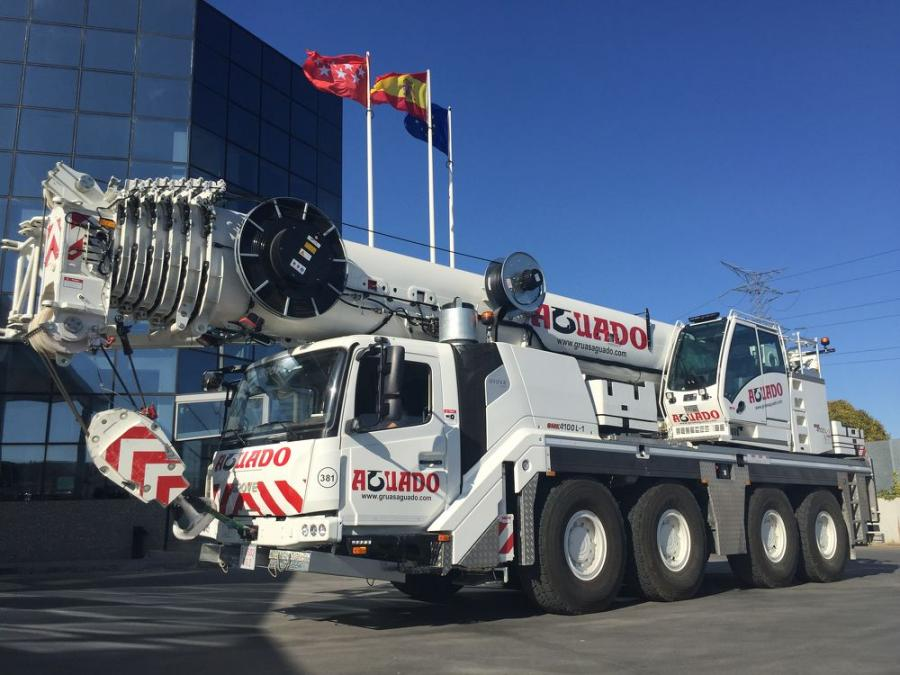 One of four new Grove GMK4100L-1 all-terrain cranes to join Transportes y Grúas Aguado's rental fleet.
