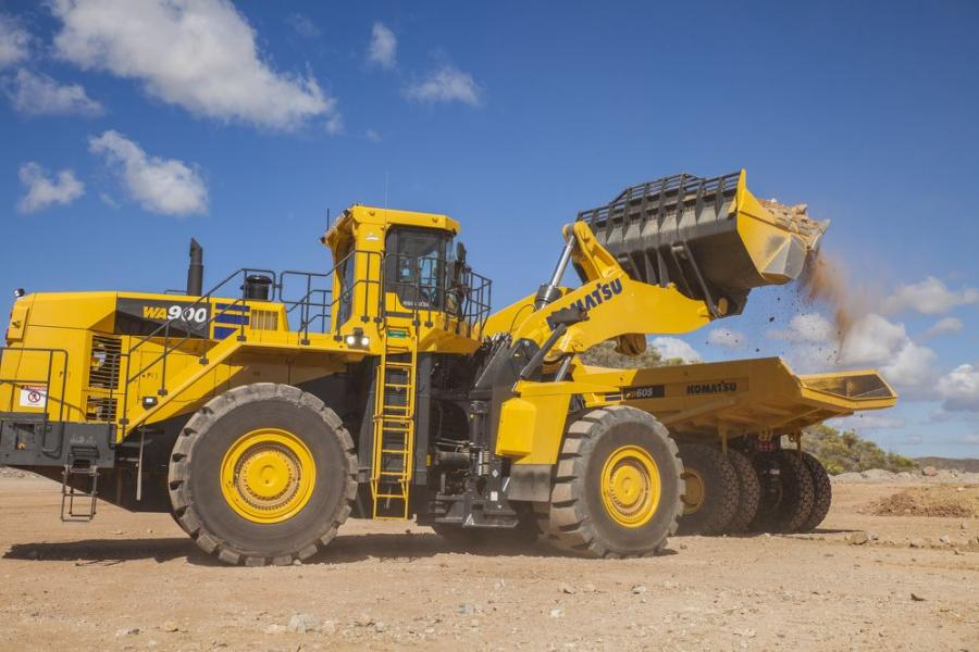 The WA900-8 is the perfect machine for loading haul trucks in limestone pits because the all new Komatsu bucket design, with modified profile, maximizes bucket fill to increase productivity.