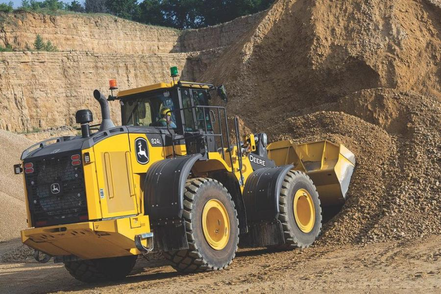 The 744L, 824L, 844L and 844L aggregate handler models offer 315 hp (235 kW), 343 hp (256 kW), 417 hp (311 kW) and 429 hp (320 kW), respectively.