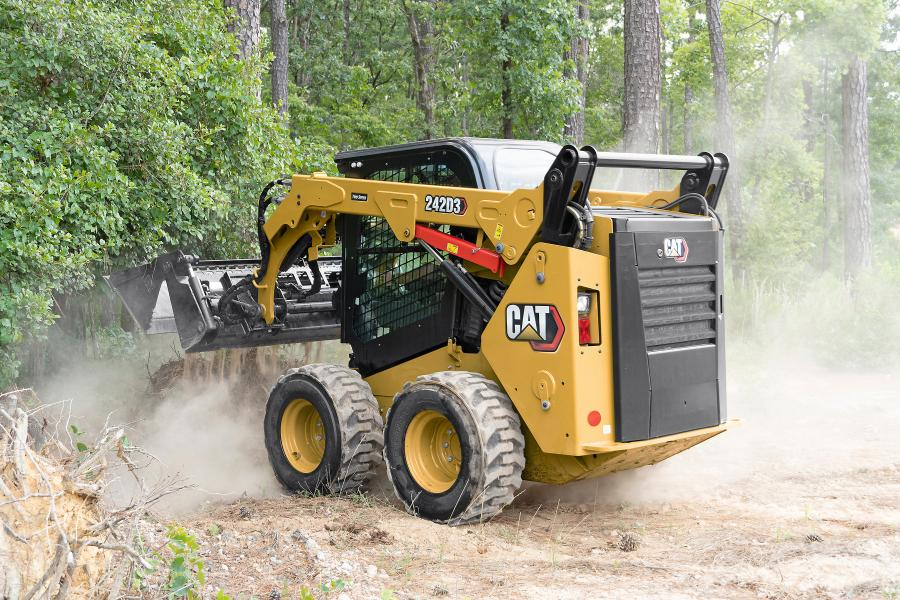 All Cat D3 Series CTLs feature standard two-speed travel to improve performance at the job site. These machines are geared to deliver high torque digging performance as well as high top-end speed for travel.