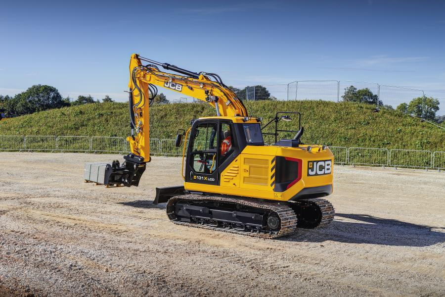 Like all three JCB X Series excavators offered on North America, the 13-ton 131X boasts high-diameter pipework to boost hydraulic efficiency and modern styling with integrated, durable strike points to preserve residual value.