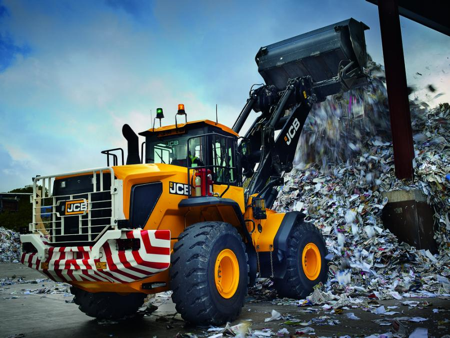 The 457 HT wheel loader is the largest wheel loader offered by JCB in North America, with an operating weight of 44,428 lb. (20,512 kg).