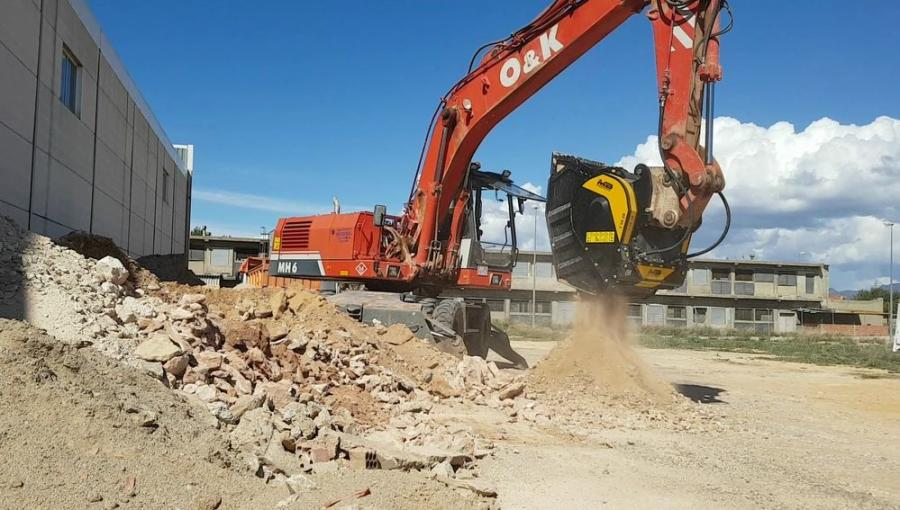 A company in Spain recently demolished its old shed to then build another one in its place.