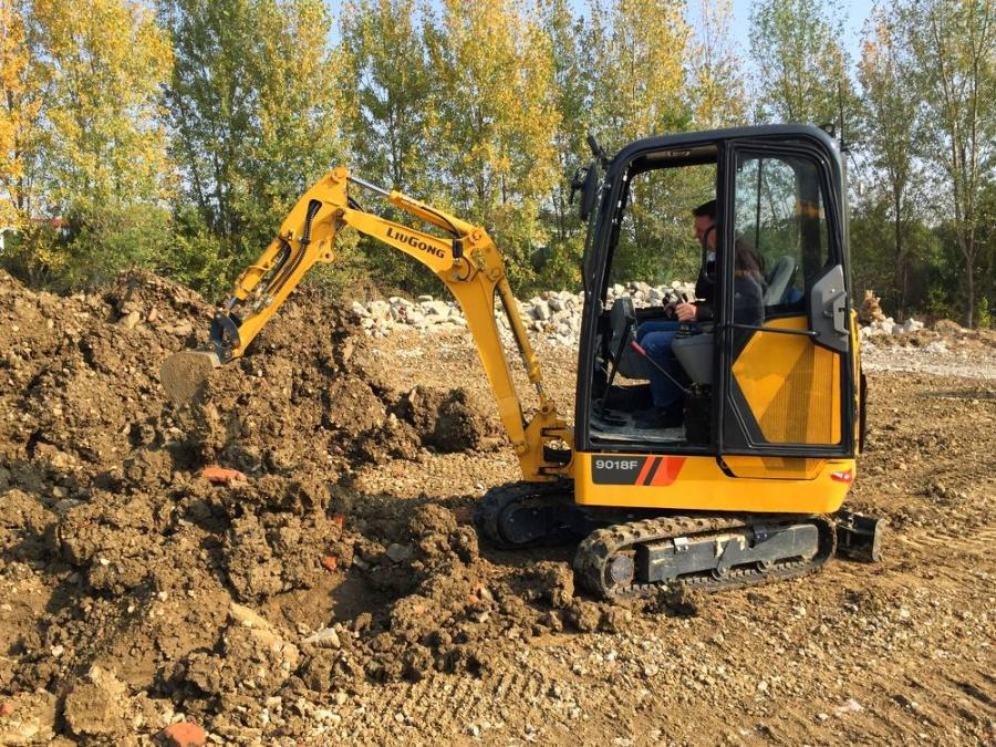 The 9018F represents the smallest of the powerfully efficient, 6th generation LiuGong F-Series excavator models.