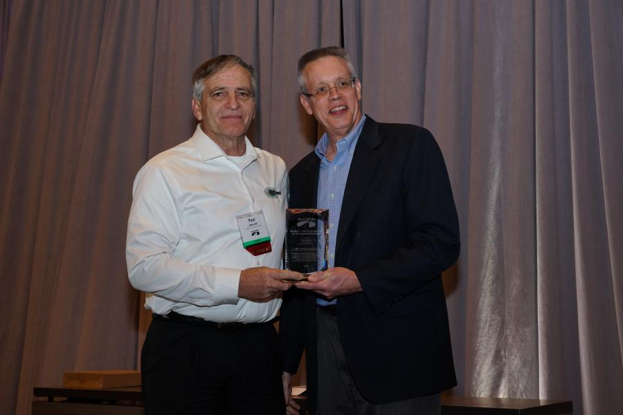 ACPA presented its 2019 Marlin J. Knutson Award for Technical Achievement to Paul Jaworski (L), product manager, Minnich Manufacturing Inc.