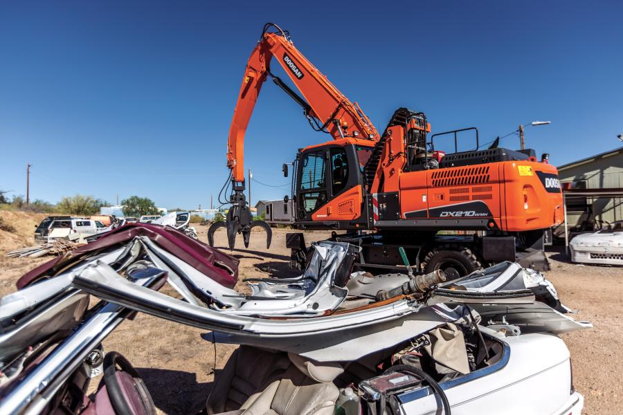 Designed to work in a variety of scrap-handling applications, DX210WMH-5 material handlers excel at working in scrap yards, recycling facilities, solid waste centers and transfer stations.