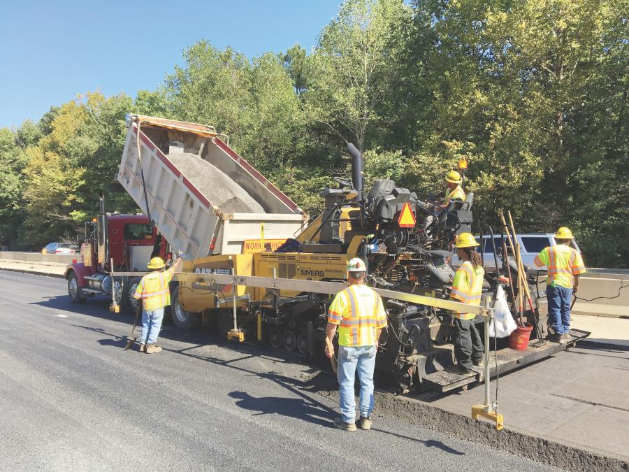 The team at Allen Myers is shown paving with a high RAP mix. VDOT contracted Allan Myers to rebuild 7 mi. of I-64 near Williamsburg using a mix with 85 percent RAP.