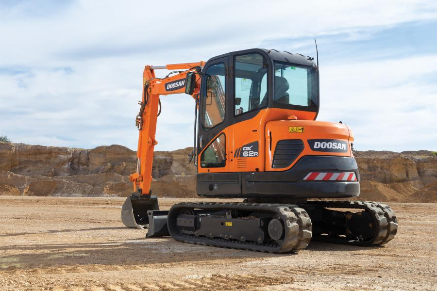 The DX62R-3 Doosan mini excavator features a reduced tail swing profile — just 4.9 in. (12.4 cm) of side overhang — that allows customers to work in confined areas with more flexibility to maneuver and without sacrificing performance.