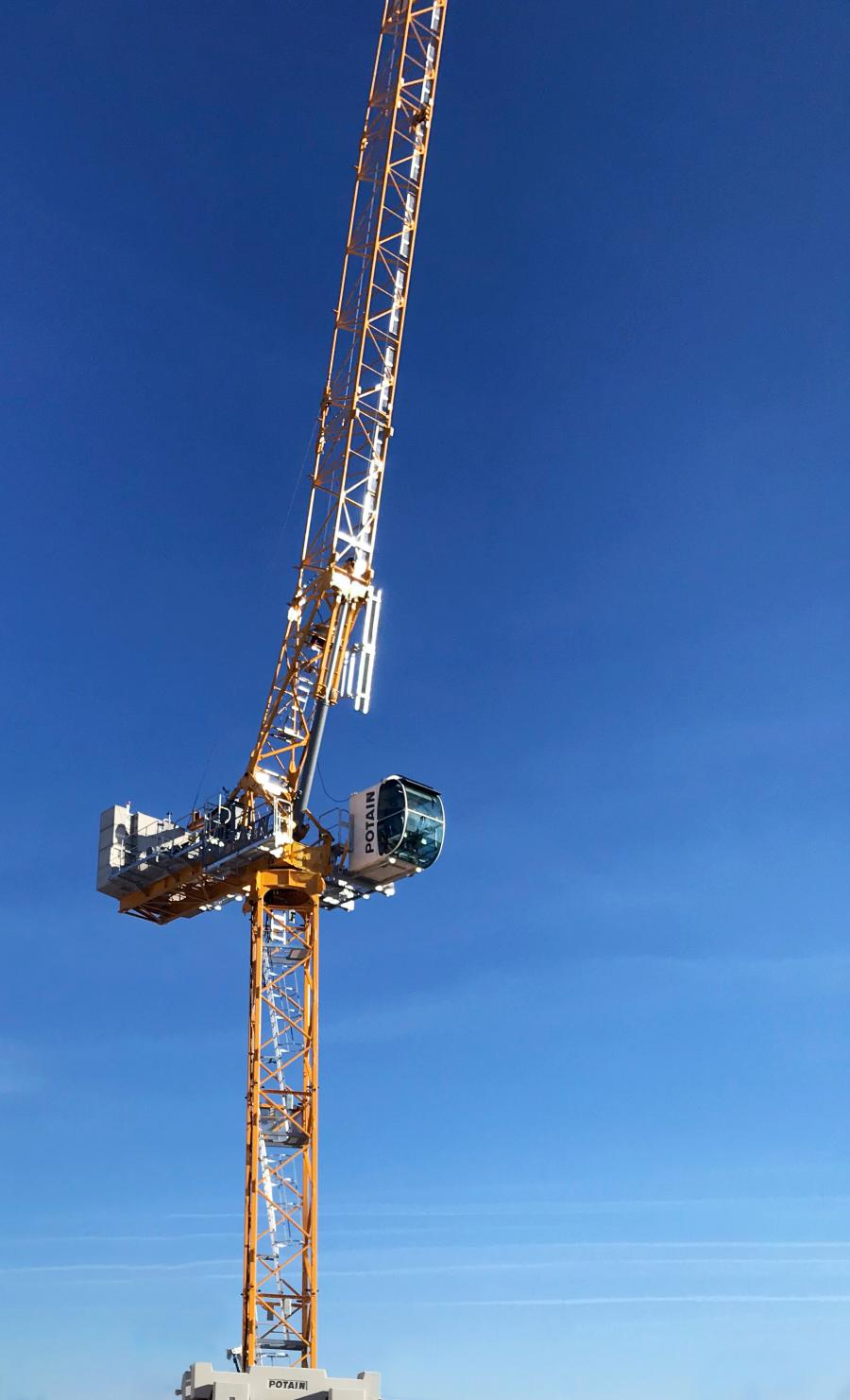 The MRH 175 is the latest release in Potain's line of hydraulic luffing jib cranes, a product line the company has continuously developed since unveiling the MRH 125 a year ago. The Hup M 28-22 is the third model from the groundbreaking Hup self-erecting crane range and the first to prioritize mobility.