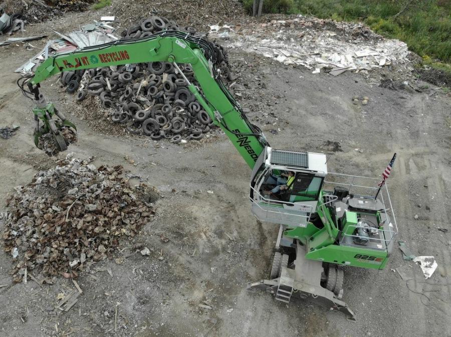 A bird's eye view of the Sennebogen 825 M working the pile.