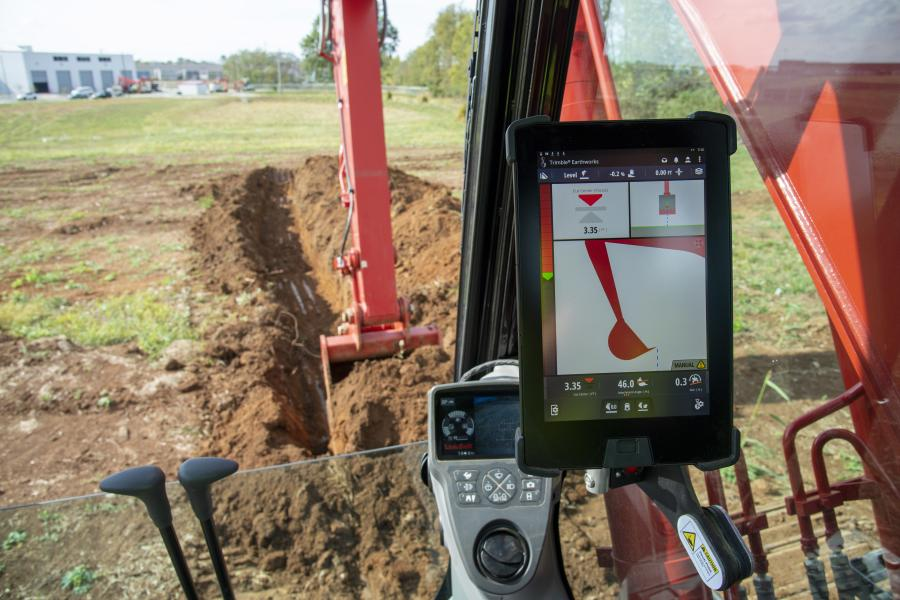 The Link-Belt Precision Grade 2D/MG system uses technology from Trimble to provide the operator with visual and audible indication when they are above, below or at their desired target grade.