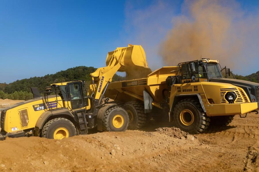 Its engine has 22 more horsepower than the WA470-8 model, but due to the Komatsu hydraulic mechanical transmission (KHMT), it achieves up to a 30 percent increase in fuel efficiency.