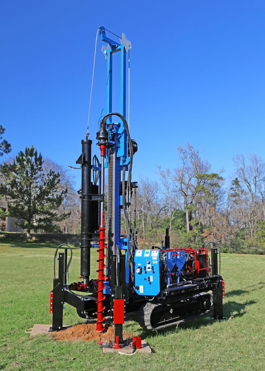The LSGT+HDA drill from Lone Star Drills is an all-new tracked drill with an automatic SPT hammer for improved depth control in geotechnical and soil sampling applications.