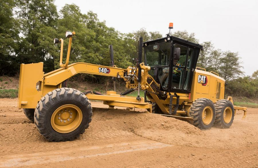 The 140 GC's powerful Cat C7.1 engine, 6F/3R automatic power-shift transmission (which eliminates the inching pedal), and precisely designed hydraulic system ensure balanced performance in all operating situations.