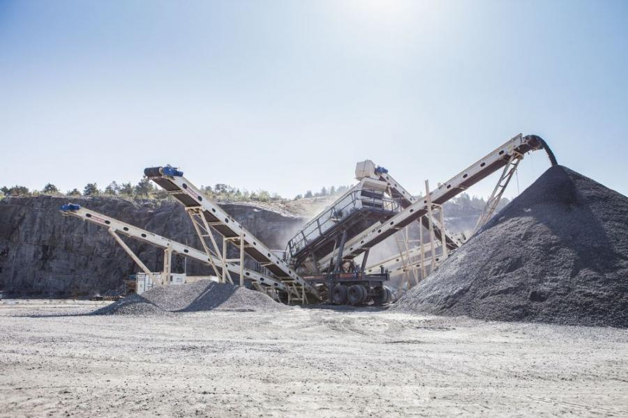NW1213 Rapid portable HSI crusher is a wheel-mounted rock crushing plant.