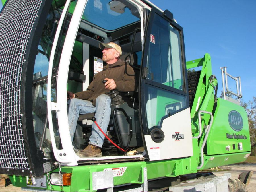 Jay Buxton, operator of Mohawk Valley Materials, appreciates the comfort and control provided by the Sennebogen 718 E.