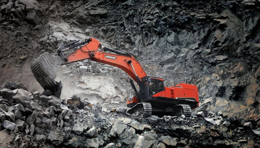 The DX800LC-7 excavator is the largest Doosan model ever available in the United States and Canada. It is primarily intended to serve customers in mining applications, removing overburden and loading large amounts of material into articulated dump trucks or rigid frame trucks.