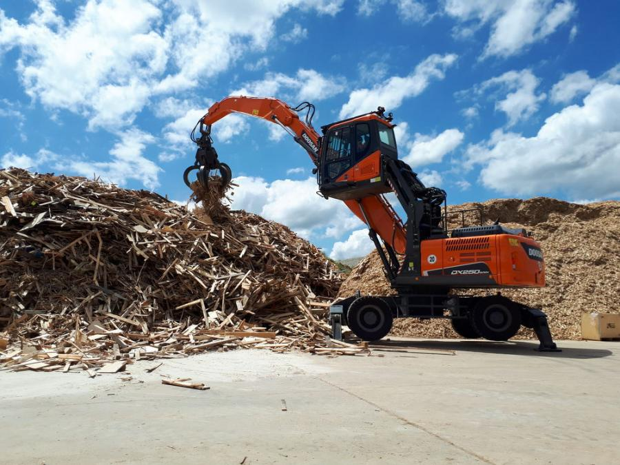 The DX250WMH-5 material handler complements two crawler Doosan models — the DX225MH-5 and DX300MH-5 — to provide customers in scrap, solid waste and recycling applications with three choices to best match their lifting and sorting needs.