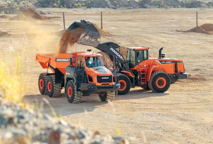 The Doosan DL580-5 wheel loader is designed to serve customers in mining and aggregate work, and it is capable of heavy-duty construction tasks.