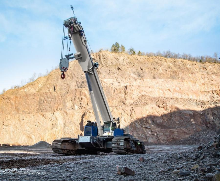 With its main boom length of 196.9 ft., the GTC-2000 already features the longest reach in its class, yet it can be increased further if necessary.