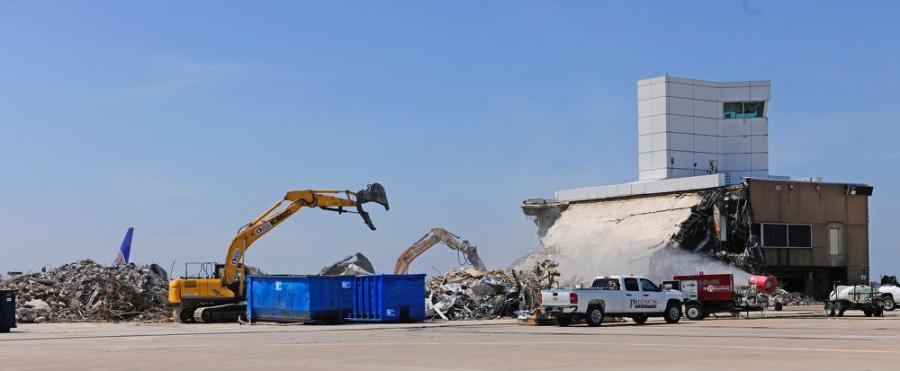 A Kobelco SK210 crawler excavator was rented for four days to perform demolition work for a new international terminal at the George Bush Intercontinental Airport.