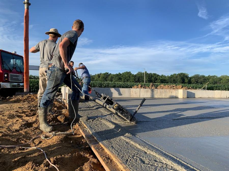 The design of the Eel Screed 6100 from Curb Roller Manufacturing allows contractors, rental customers and other operators to finish concrete screeding faster and more comfortably than alternate methods.