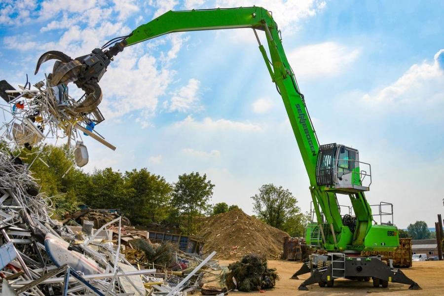 The first Sennebogen 830 E machine on the site delivered six years of efficient service, allowing a significant increase in productivity. When the old unit accumulated enough hours to warrant a replacement, there was no question that the new machine should be the latest version of the same equipment.