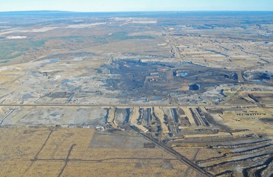 The 1,200-mi. (1,900-km.) pipeline will run from Alberta, Canada to Nebraska. -