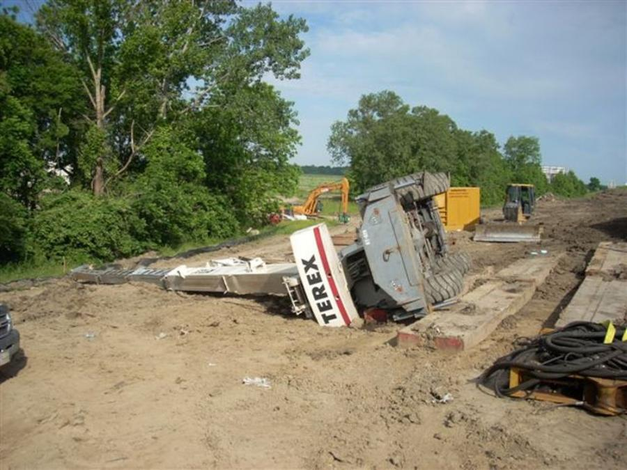 Hydraulic fluid leakage and poor ground support are two of the most-critical contributors to outrigger failure and crane tip overs. Regular inspections can alleviate leakages; a geotechnical expert can determine ground conditions. (RHTC Inc. photo)