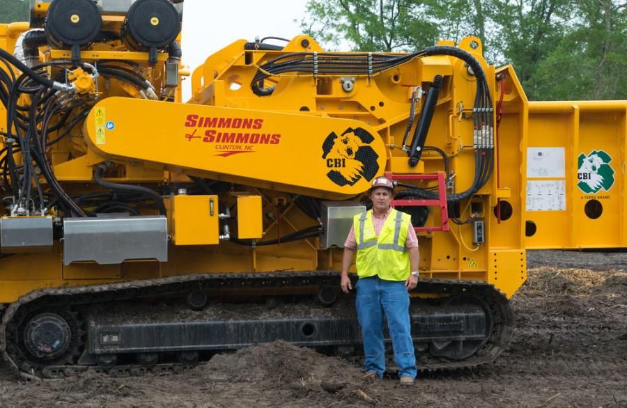 David Simmons started out in 1986 with a front-end loader that he'd use for small lot clearing jobs and various agricultural work. He worked for himself and took on one job at a time.