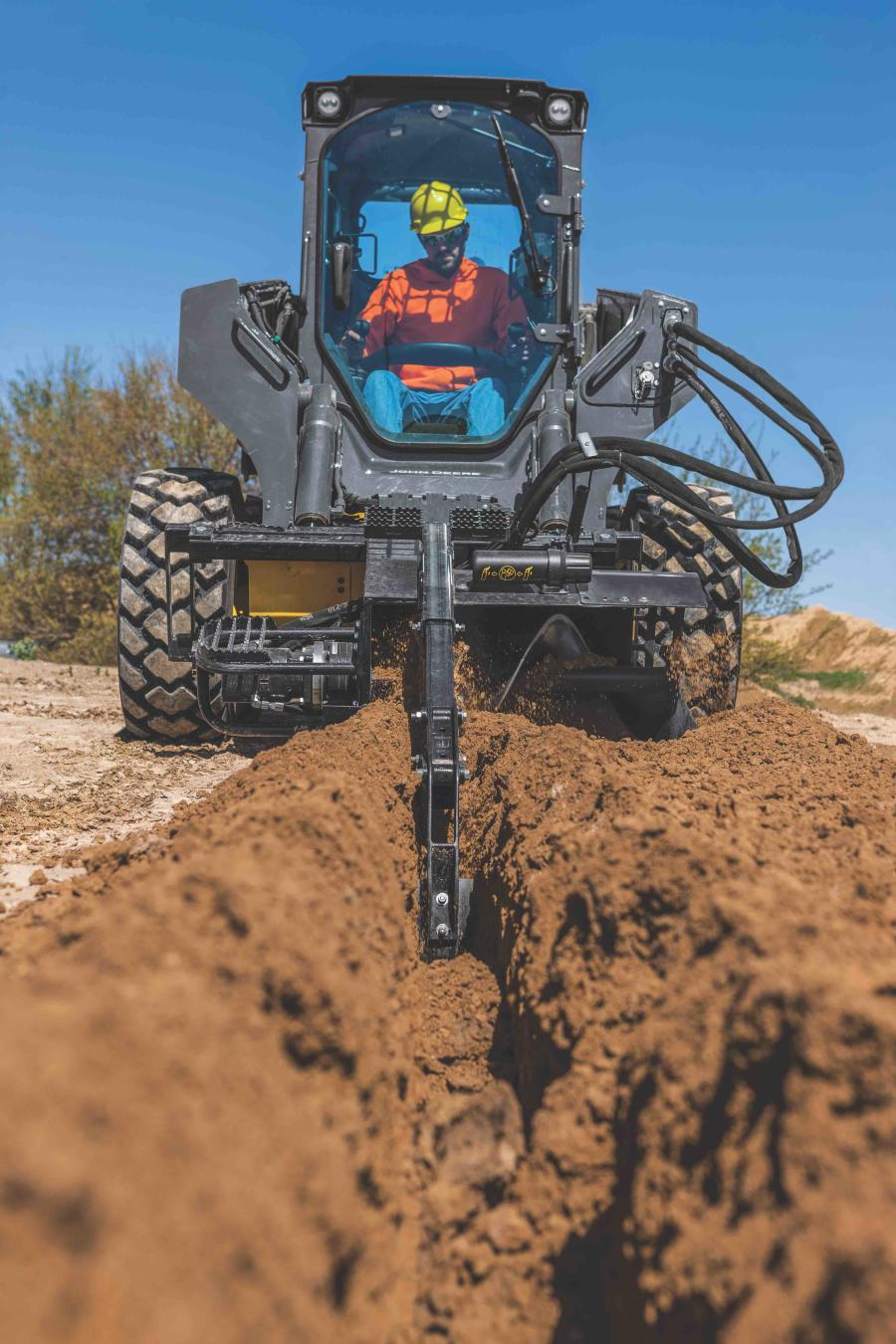 The robust digging chain can be used for even the toughest conditions and the integrated skid shoe helps stabilization while trenching.