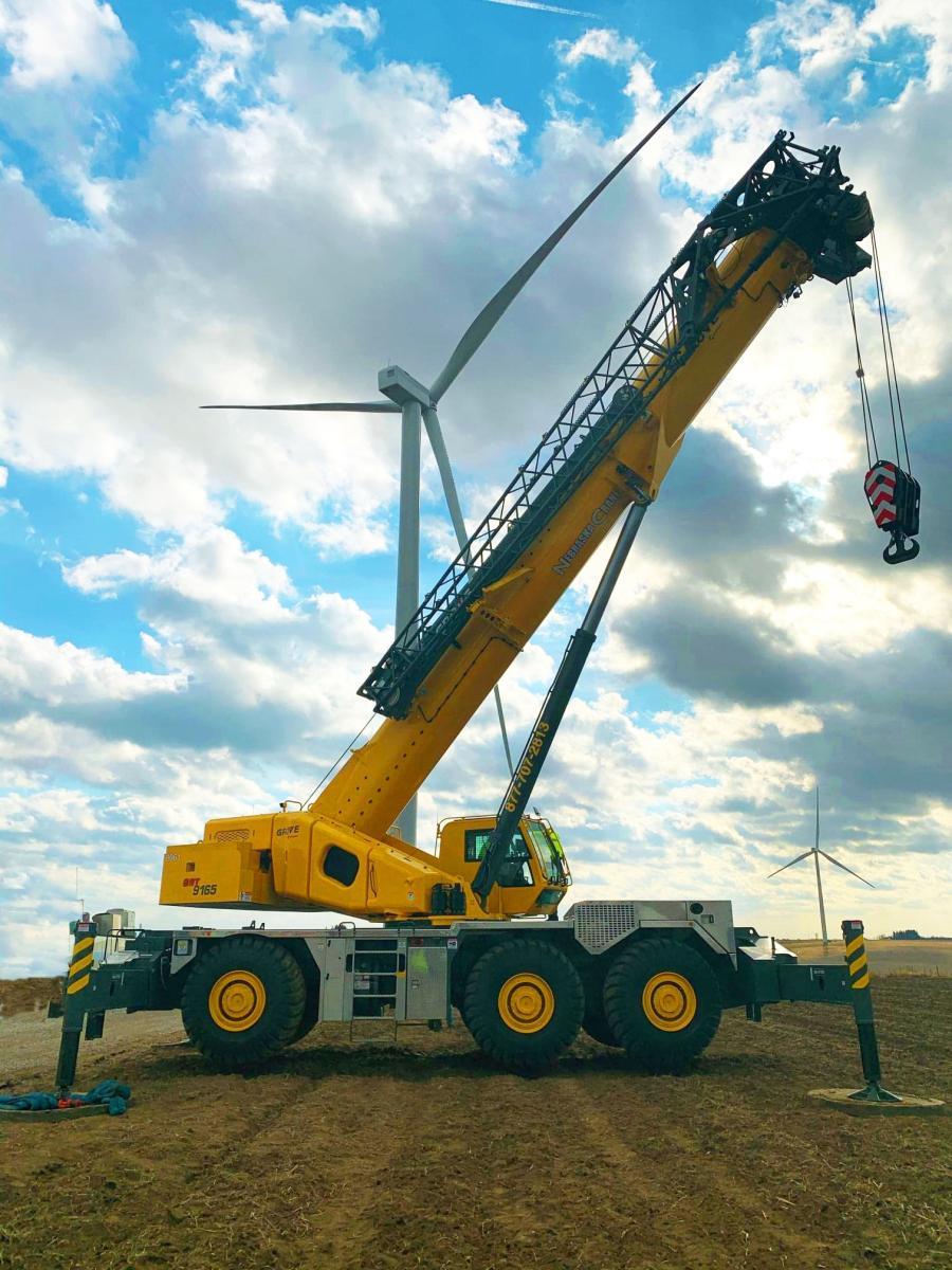 Nebraska Crane's GRT9165 performed maintenance work on wind turbines in Iowa.