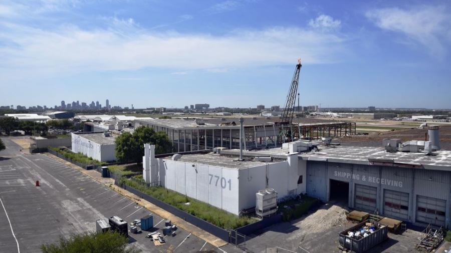 The 26-acre, more than $100-million mixed-use redevelopment project includes 120,000 sq. ft. of hangar space paired with office and retail operations, hospitality facilities and entertainment venues for more than 200,000 sq. ft. of use space in the total facility.