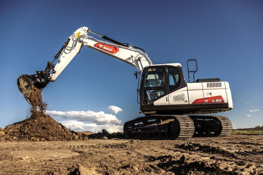 The E165 excavator is ideal for heavy digging and lifting operations on commercial and residential building sites, underground utility applications, road and bridge projects.