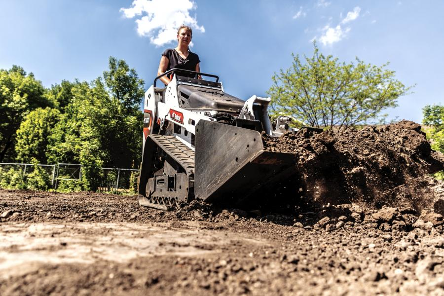 The MT100 has a rated operating capacity of 1,000 lbs. and comes standard with removable counterweights, which can be mounted in the undercarriage or at the rear of the machine on the uprights, to increase lifting performance.